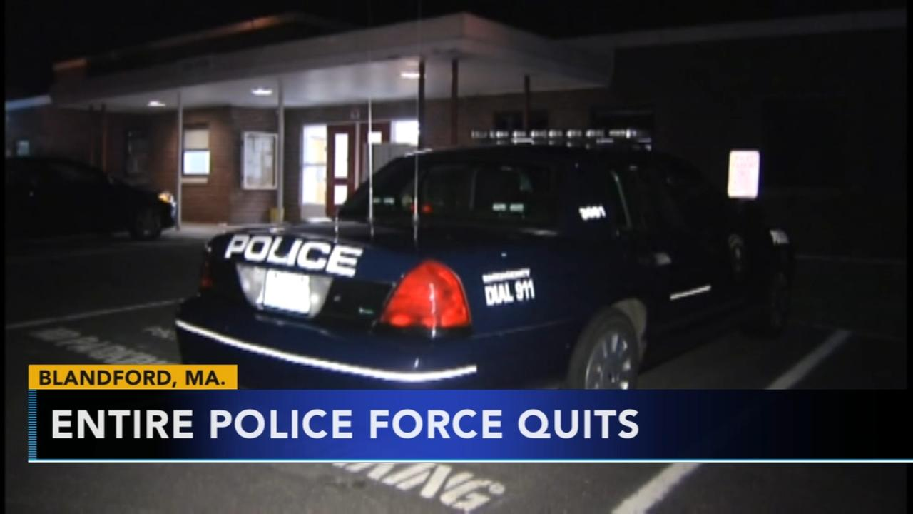 Entire police force quits, citing equipment, safety