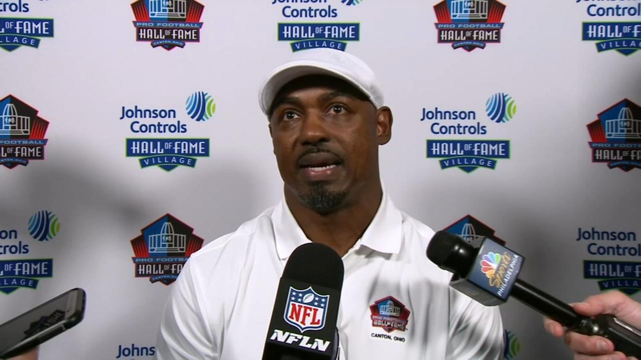 Brian Dawkins along with 6 new Hall members in Canton, Owens doing own thing elsewhere