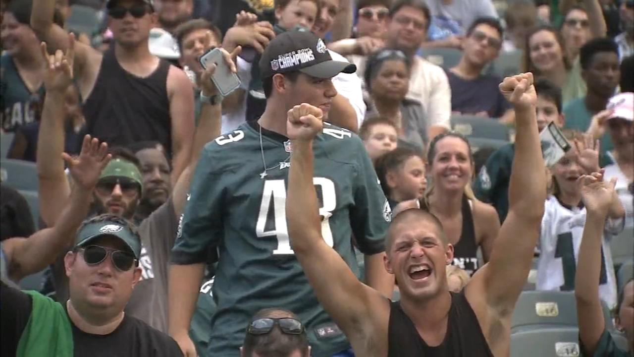 Eagles host first open practice as Super Bowl champs