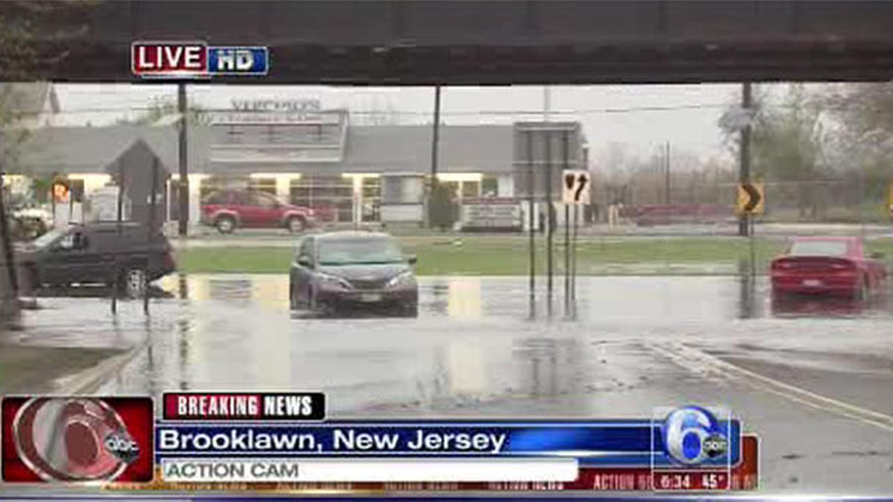 Cars stranded in food waters in Brooklawn, NJ