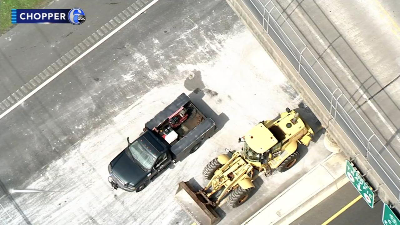 Truck hits overpass, spills load on Atlantic City Expressway