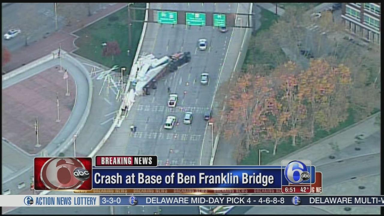 VIDEO: Overtturned tractor-trailer jams traffic on Ben Franklin Bridge