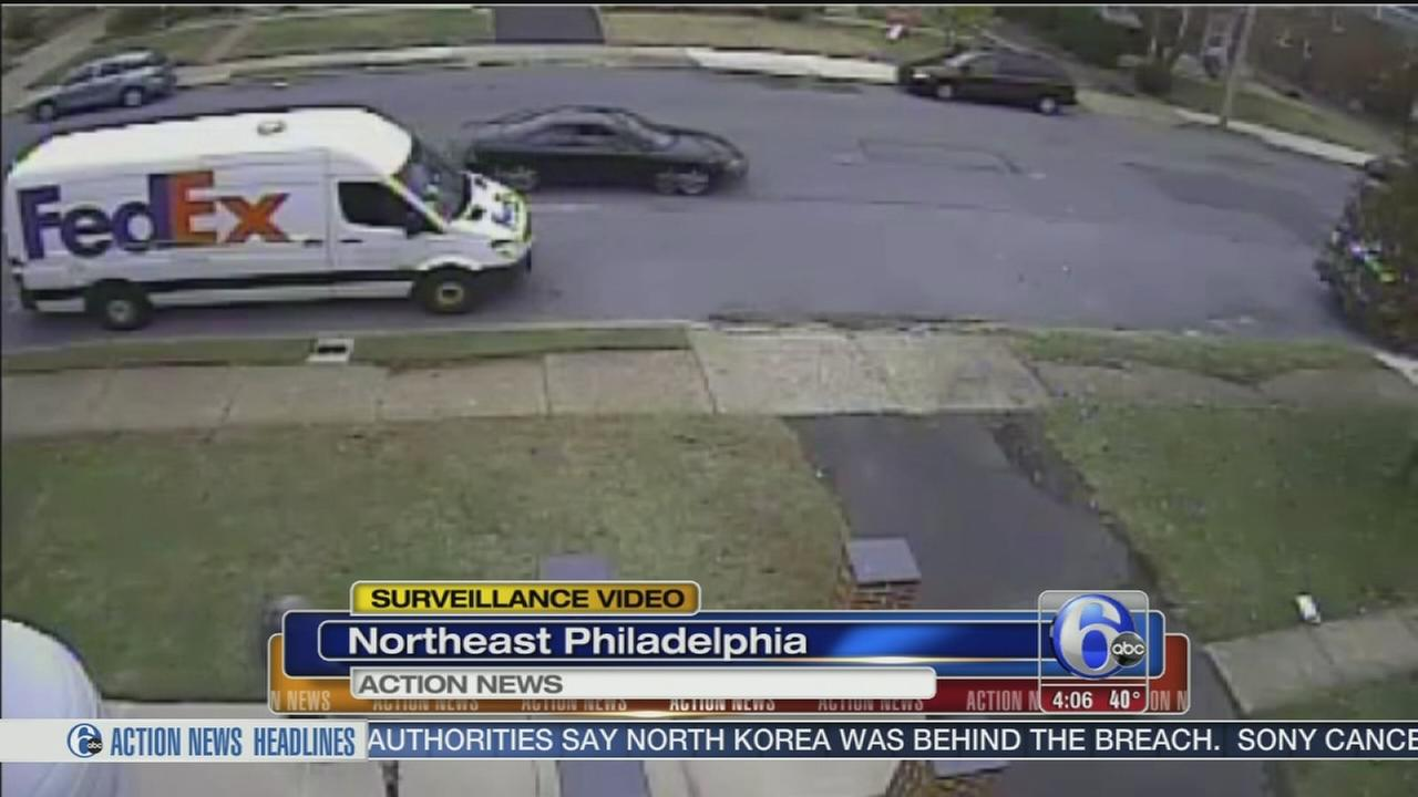 VIDEO: Package stolen from NE Phila. home