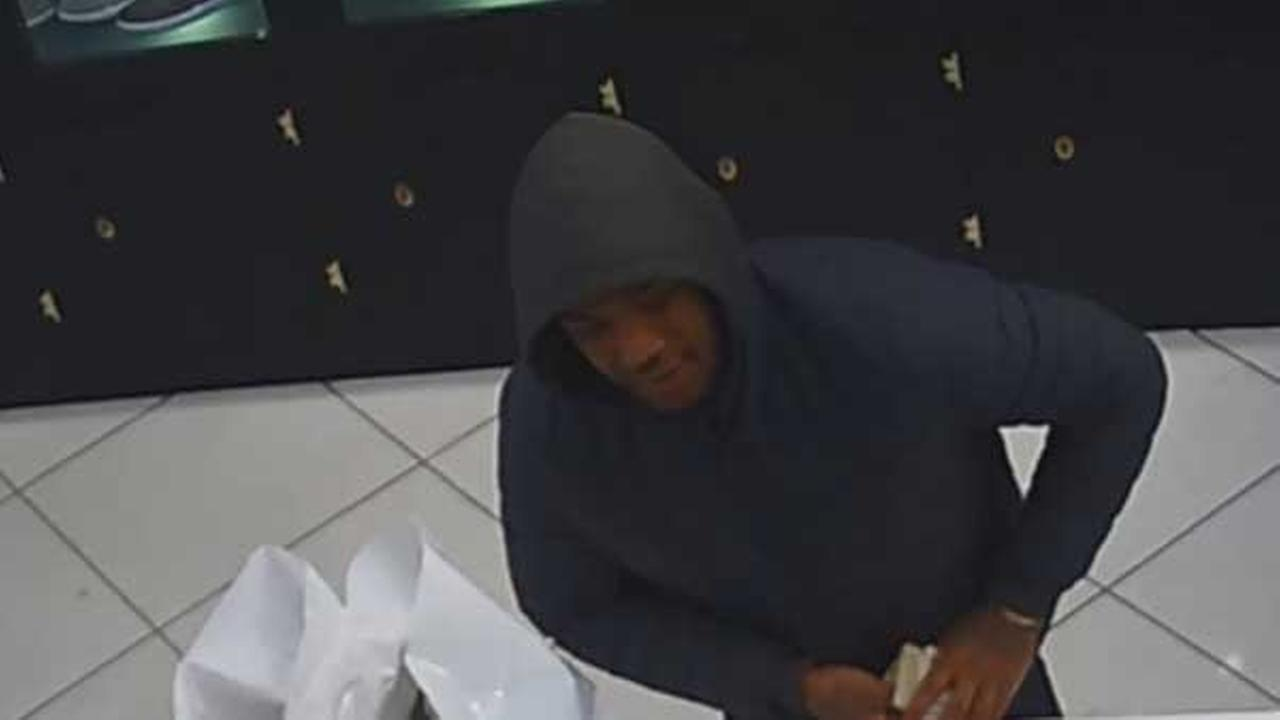 Philadelphia police are searching for an armed suspect who robbed a popular mens store in Center City last week.