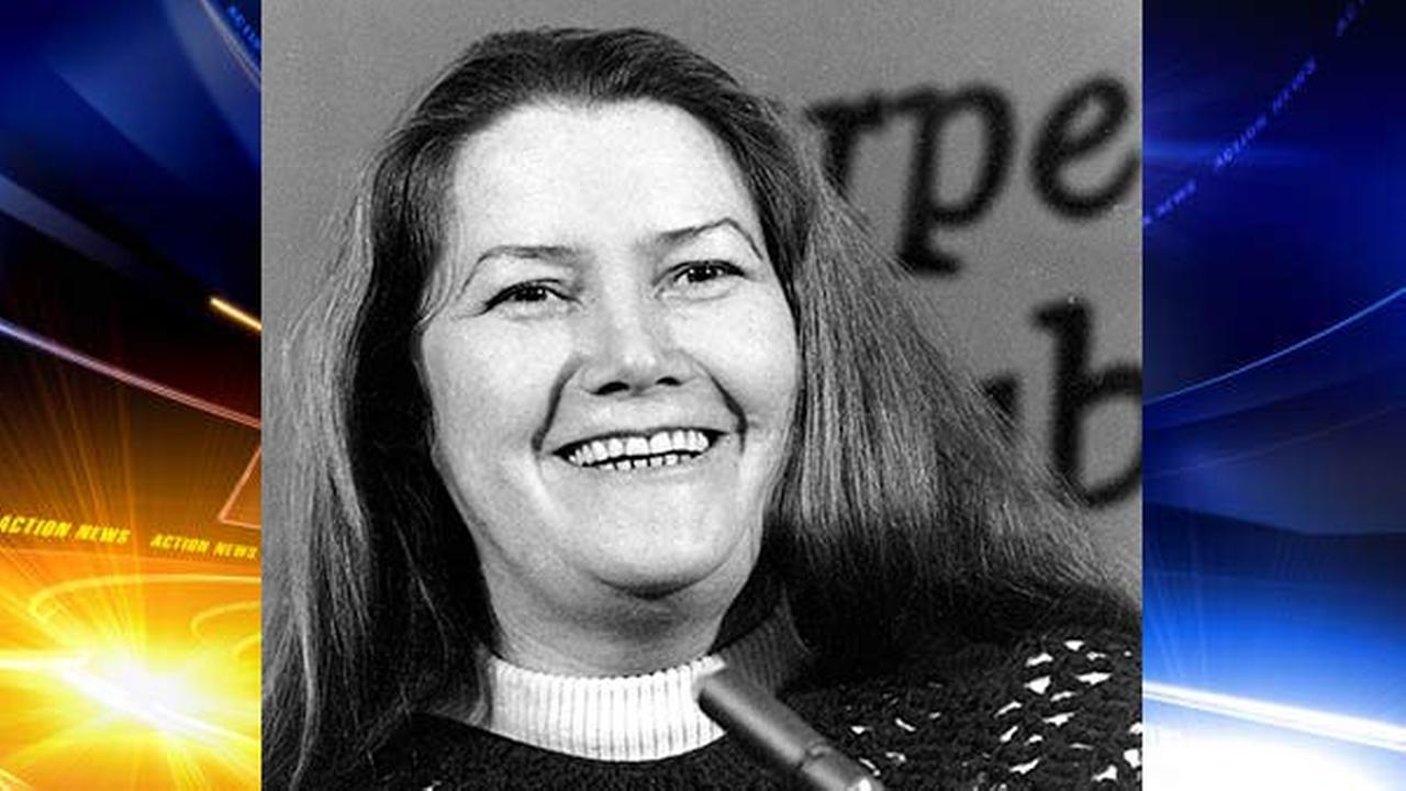 The Thorn Birds author Colleen McCullough dies at age 77