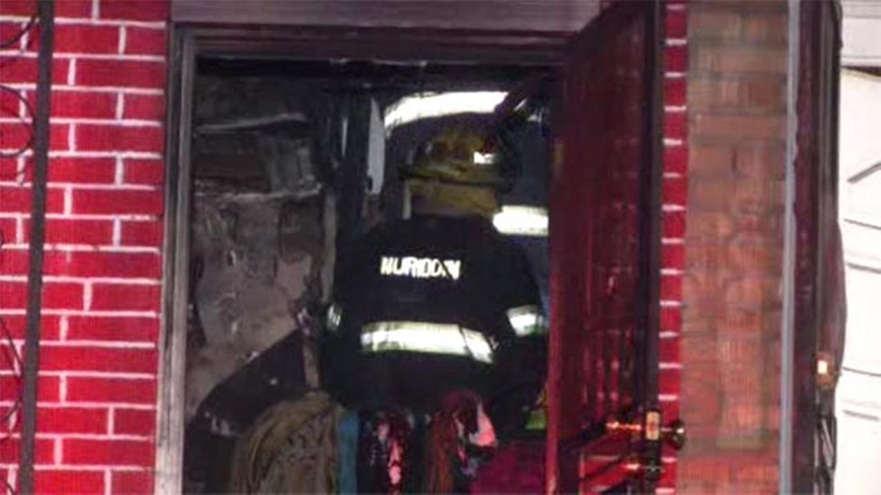 Residents escape flames inside Southwest Philadelphia home