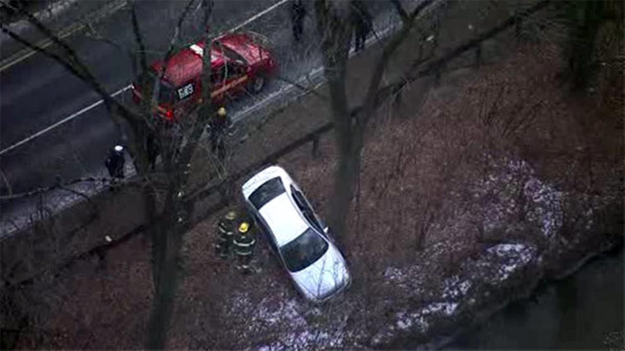 Icing leads to crashes, closure on Lincoln Drive