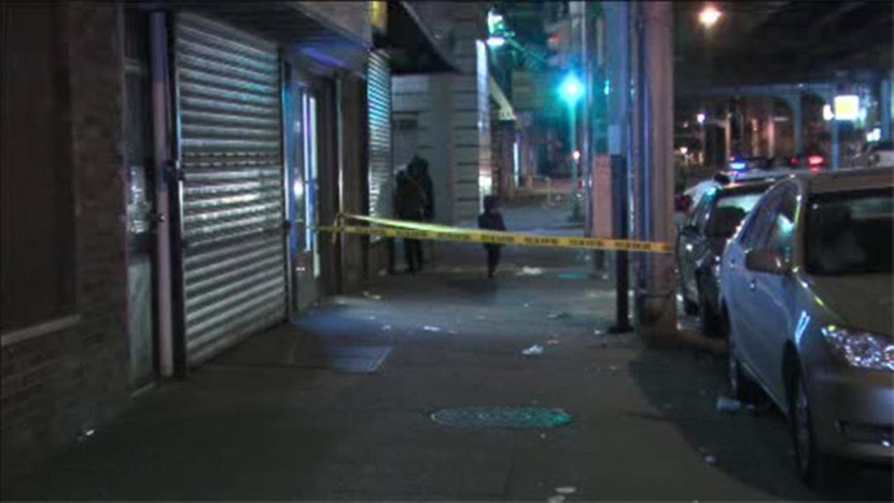 Man stabbed in the back in Kensington