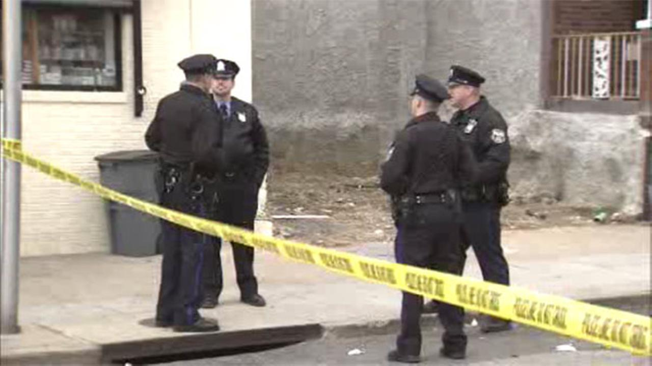 North Philadelphia shooting victim walks to firehouse