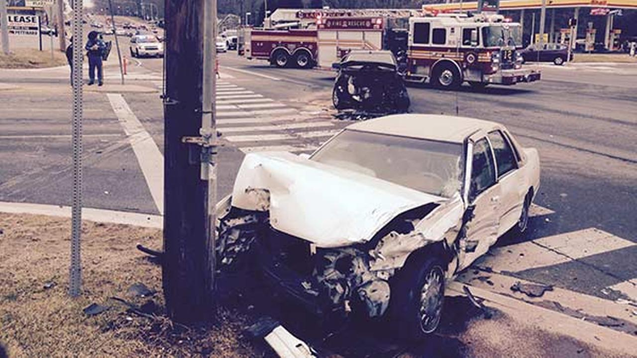 2 hurt, utility pole broken in New Castle crash