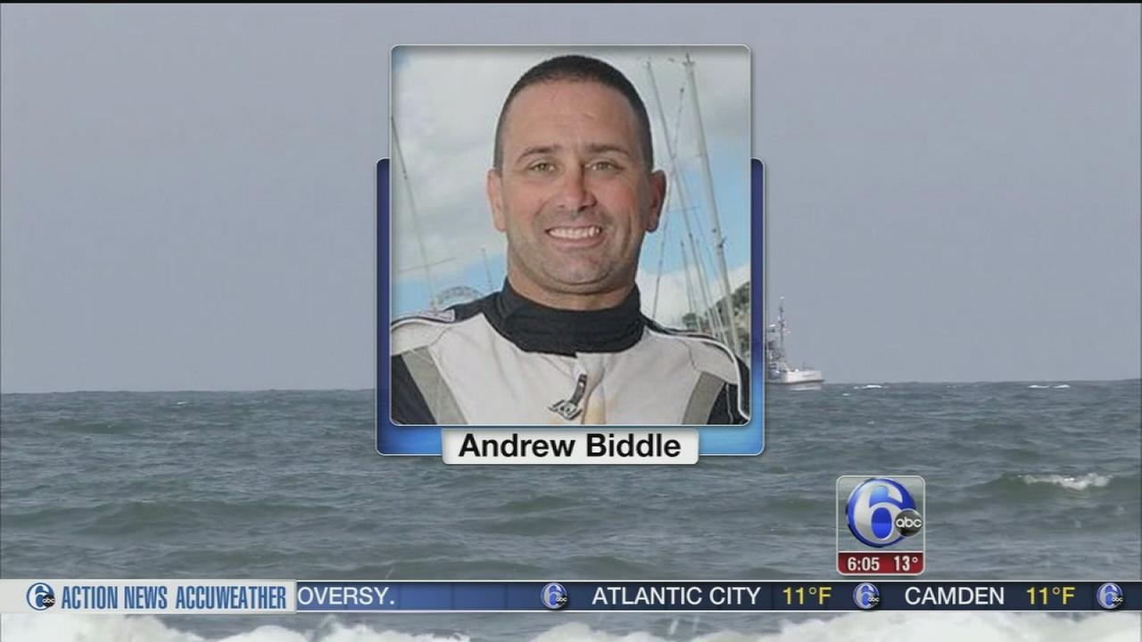 VIDEO: Fugitive boater surrenders to police