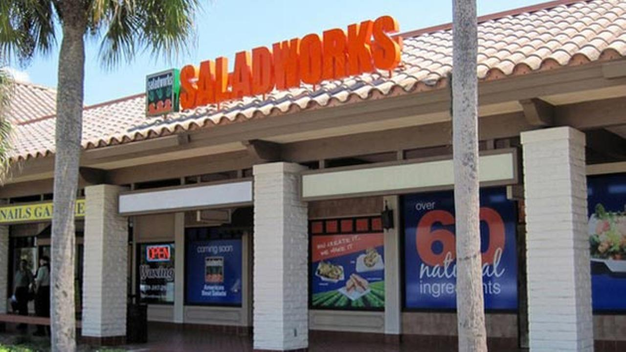 Saladworks files for bankruptcy, says stores will stay open