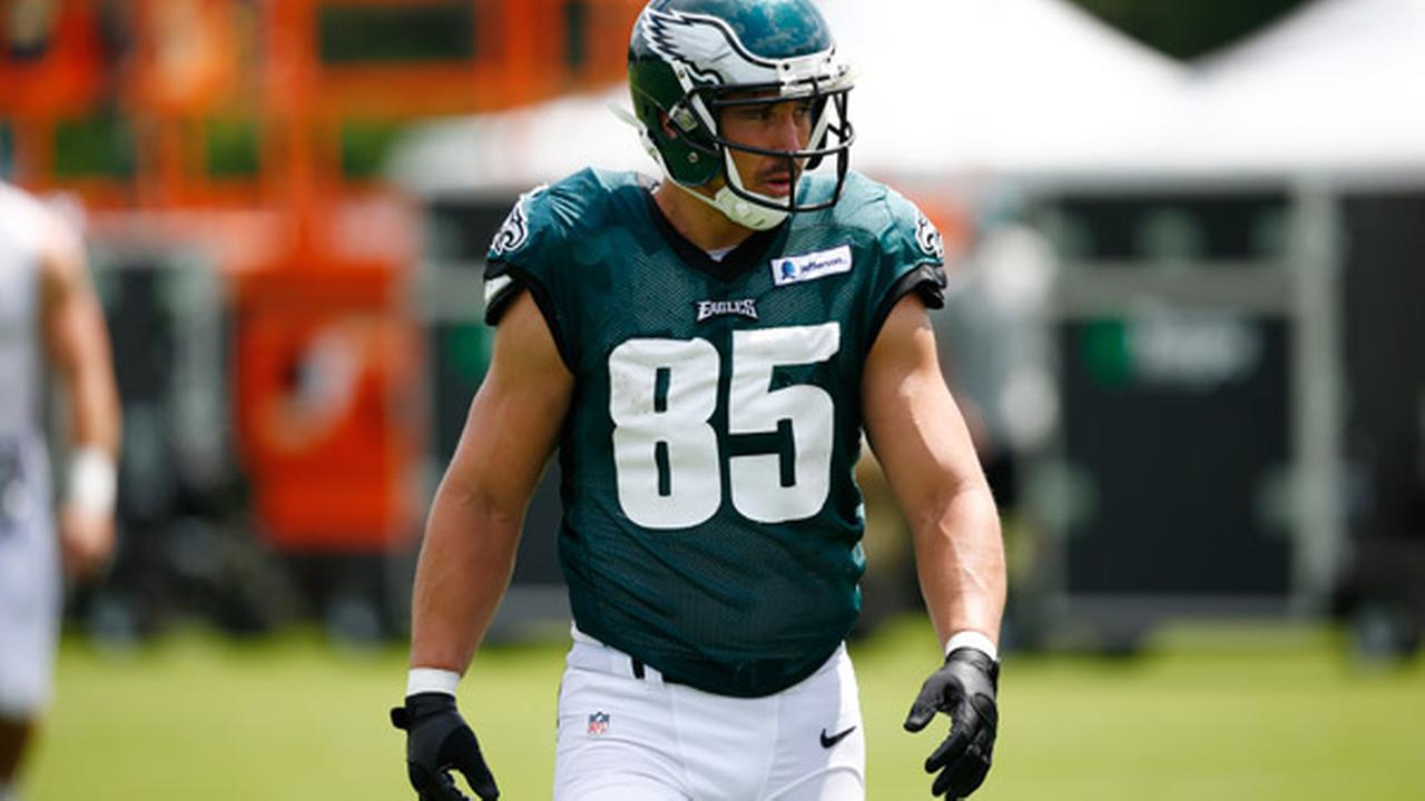 hiladelphia Eagles tight end James Casey walks off the field during NFL football training camp Monday, Aug. 4, 2014, in Philadelphia.