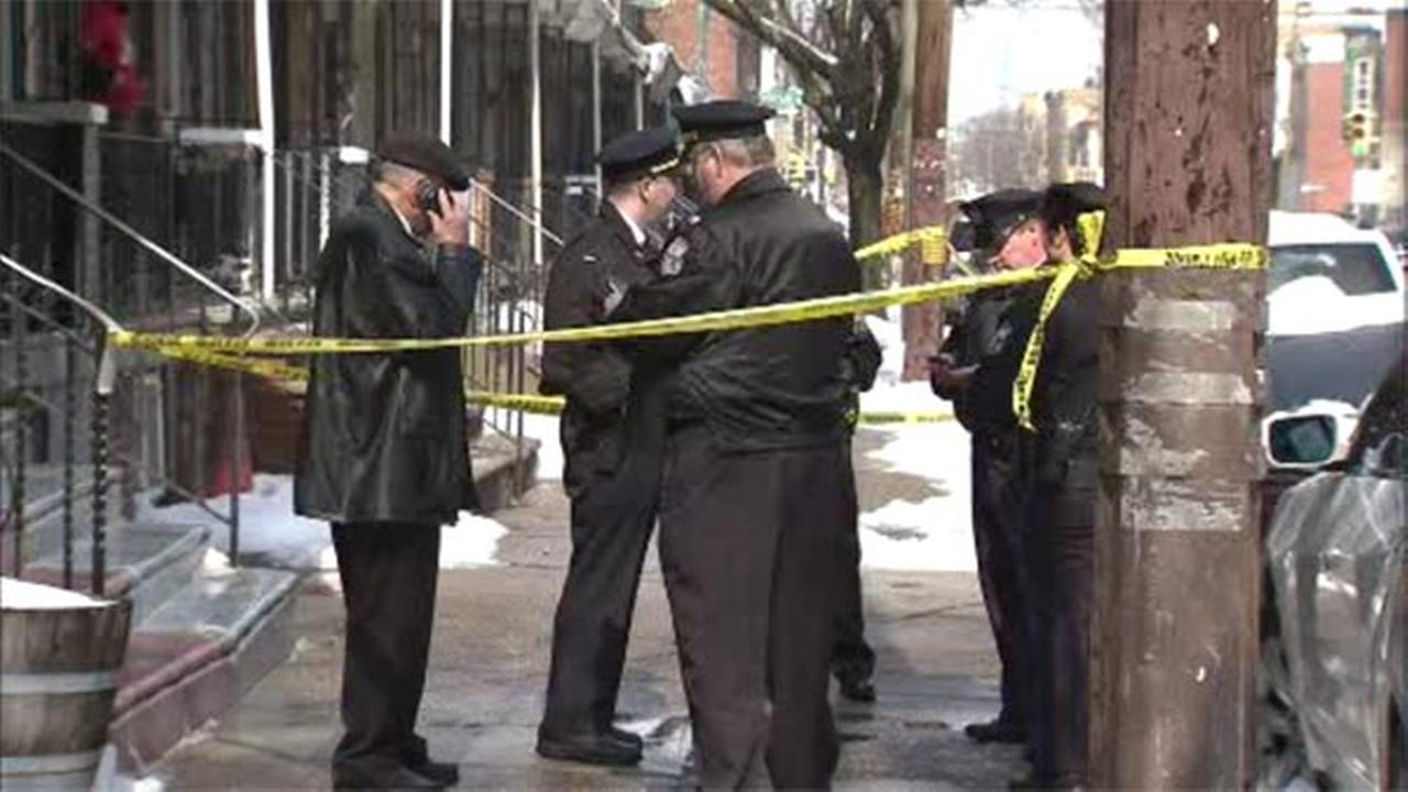 Man found shot twice in the chest in South Philadelphia