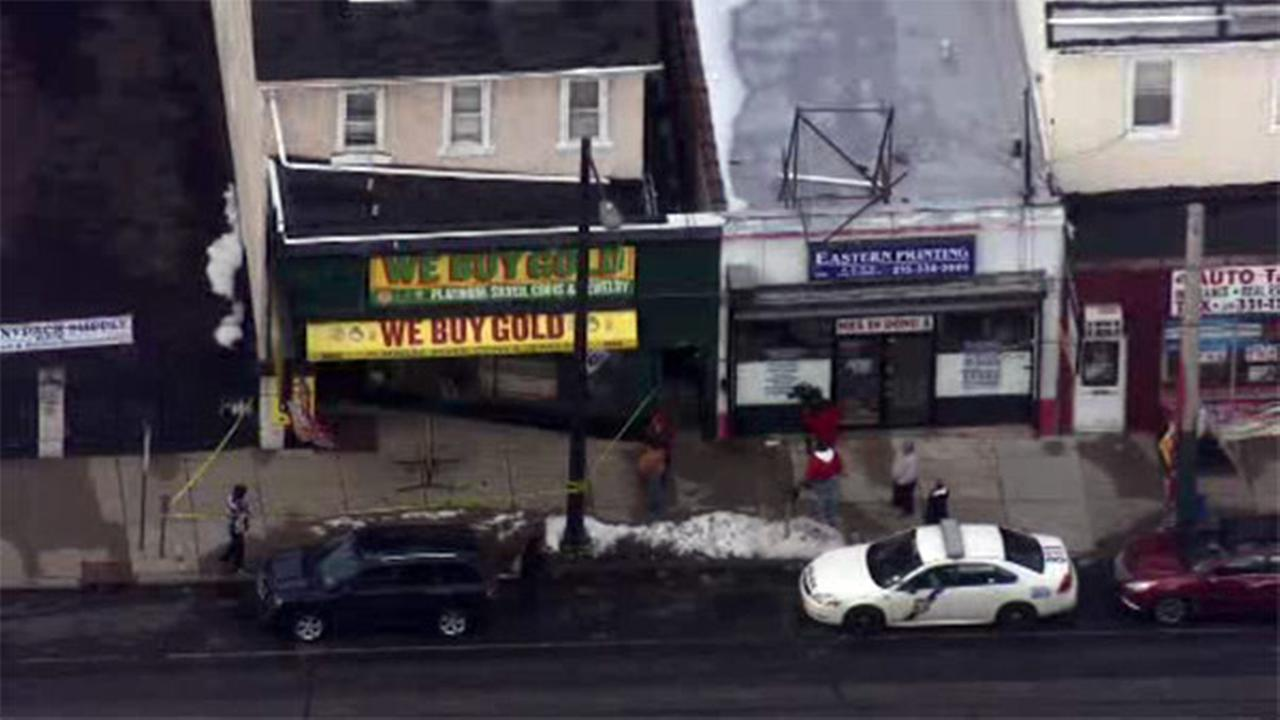 Mayfair store owner stabbed in the face during robbery