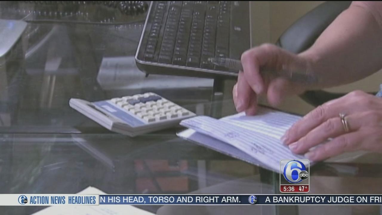 VIDEO: Scammers posing as IRS