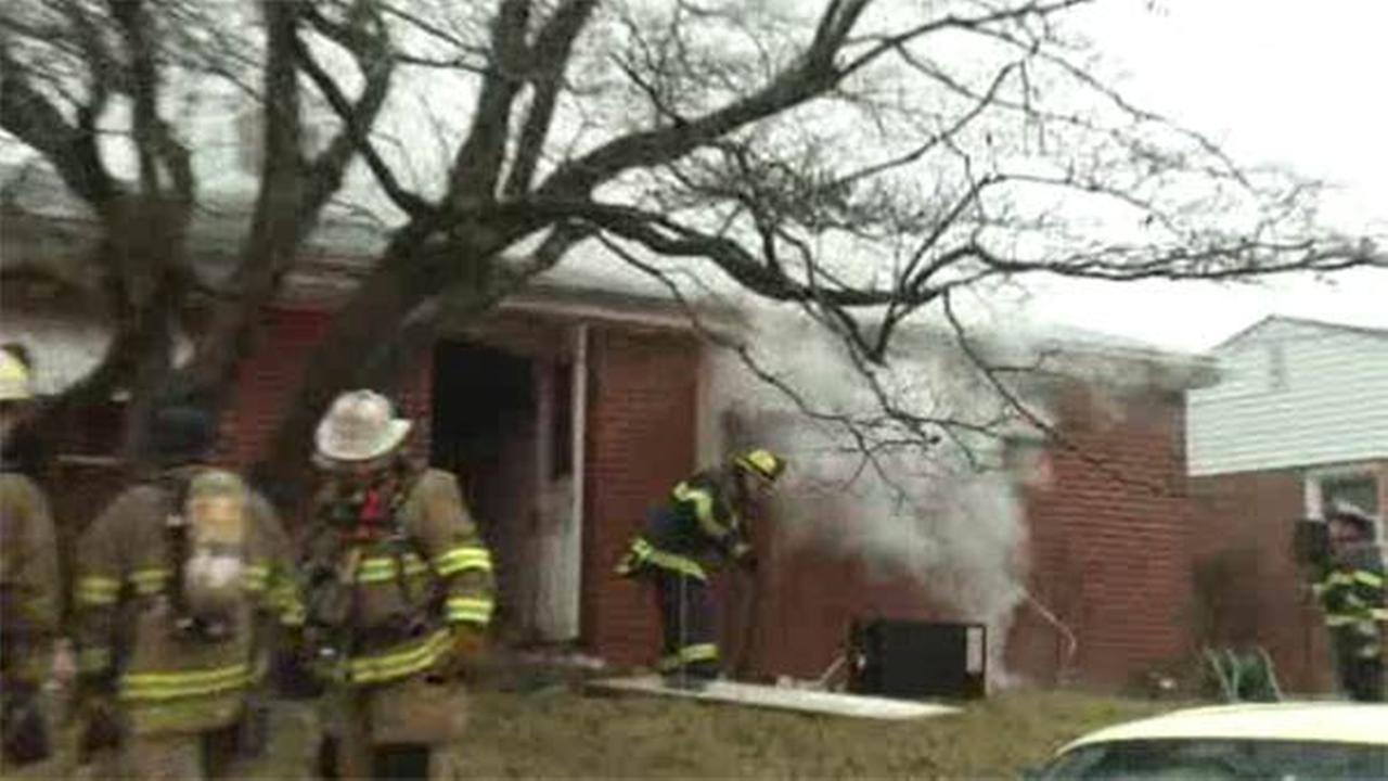 2 escape kitchen fire inside Wilmington house