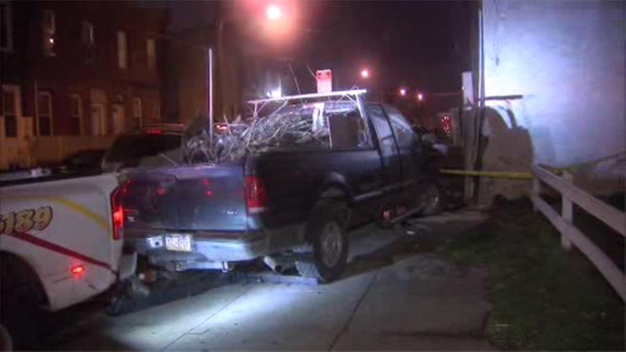 2 injured when vehicle crashes into building in North Philadelphia