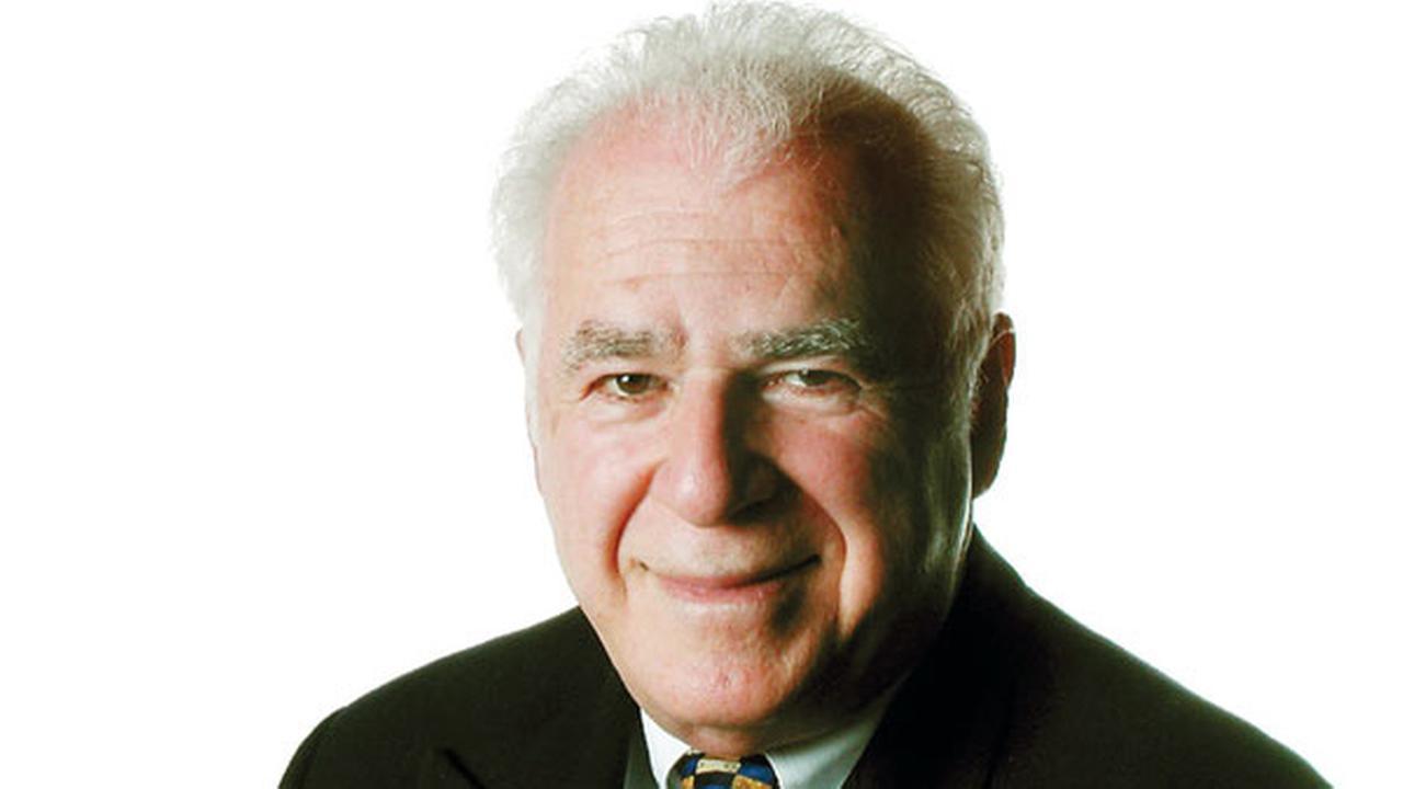 Stan Hochman (Photo Credit: Philadelphia Daily News)