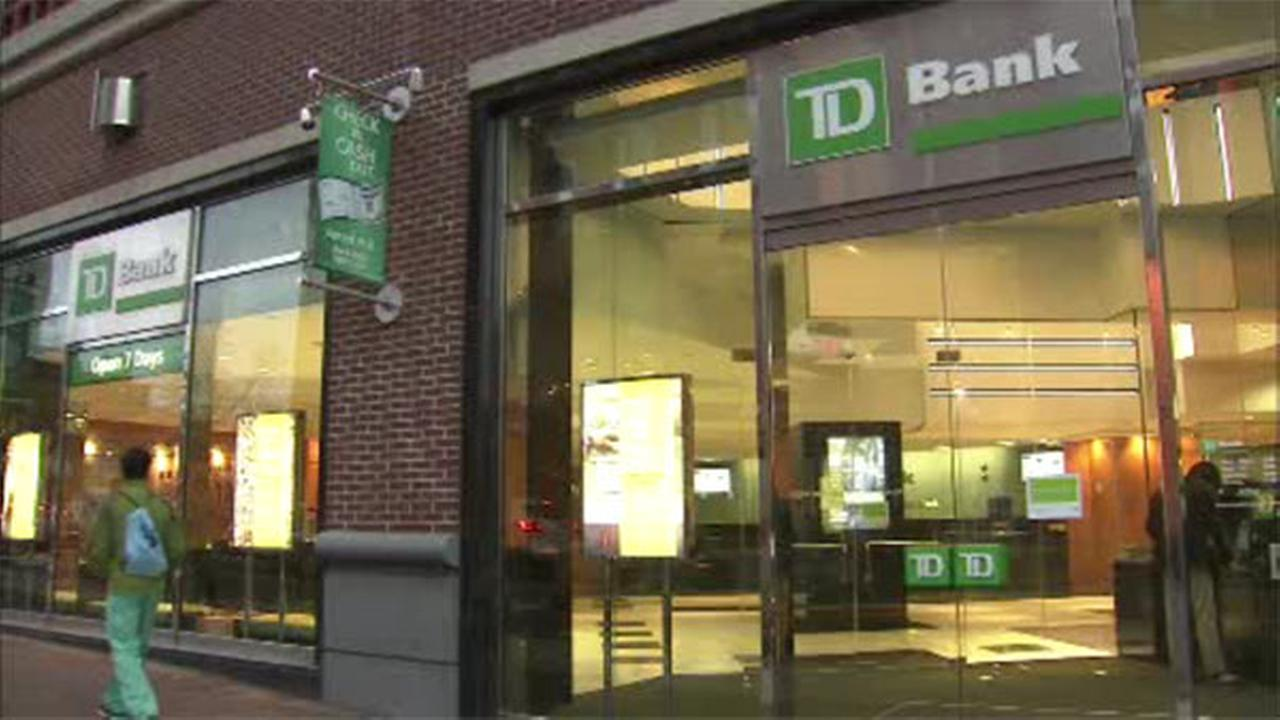 Suspect robs TD Bank in University City