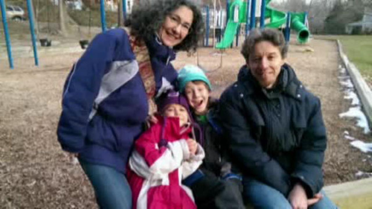 Kids of 'free-range' parents found on their own again