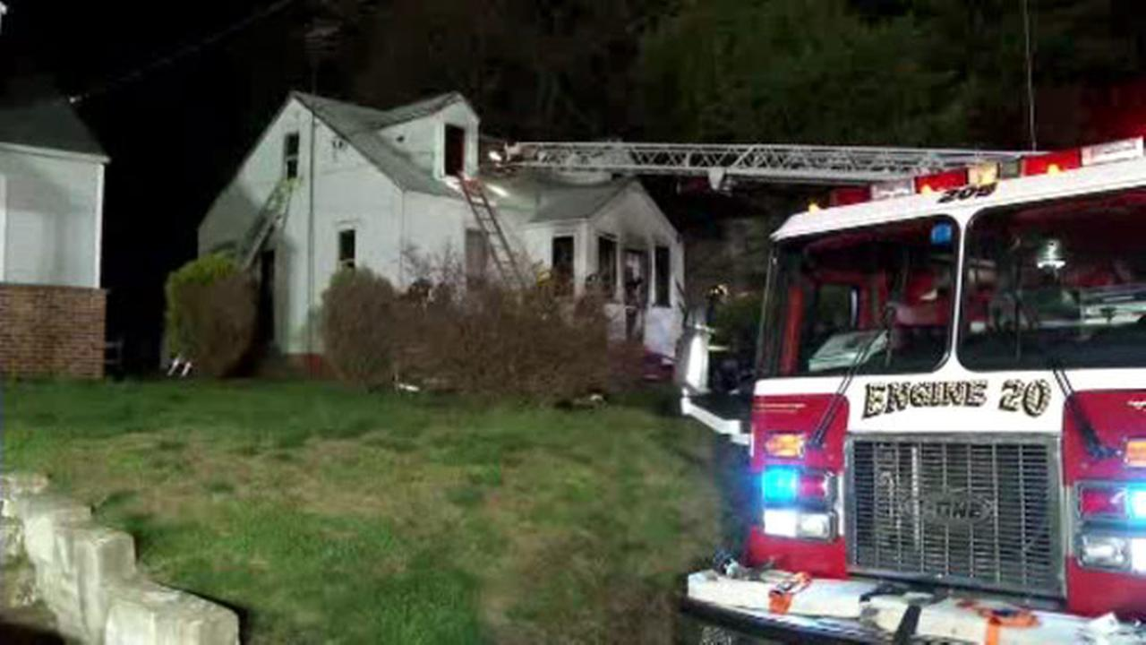 2 hospitalized after New Castle fire