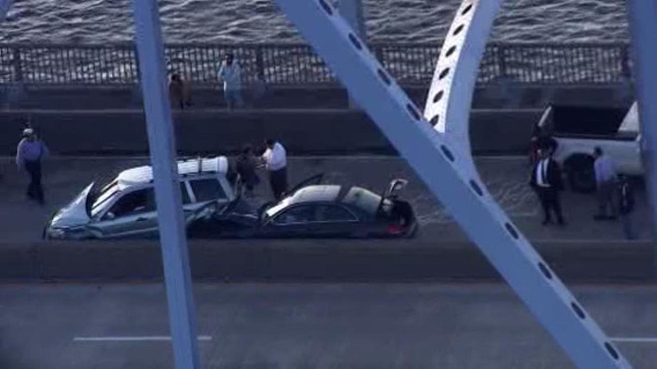 Multi-vehicle crash snarls traffic on Platt Bridge