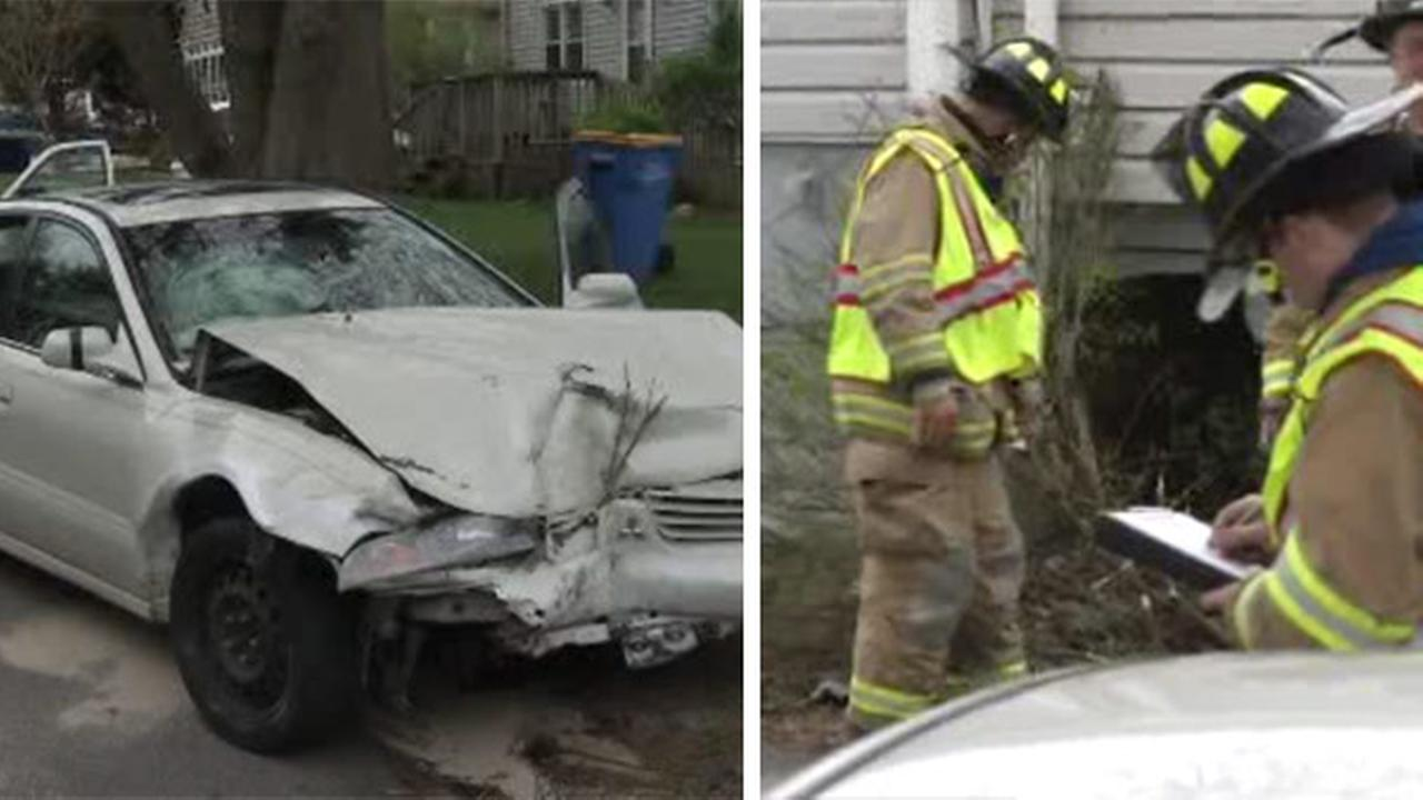 Car crashes into house in Elsemere, Del.
