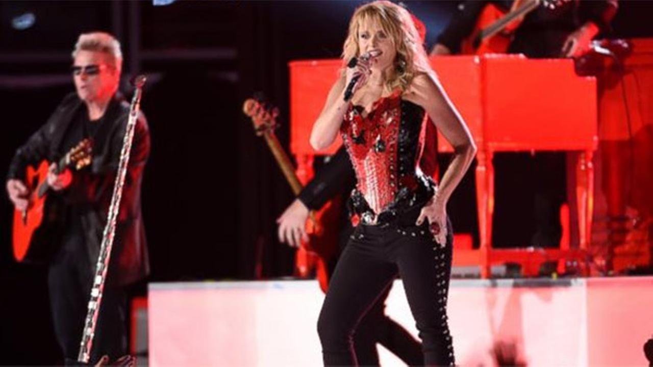 Lambert wins 4, Luke Bryan takes top prize at American Country Music Awards