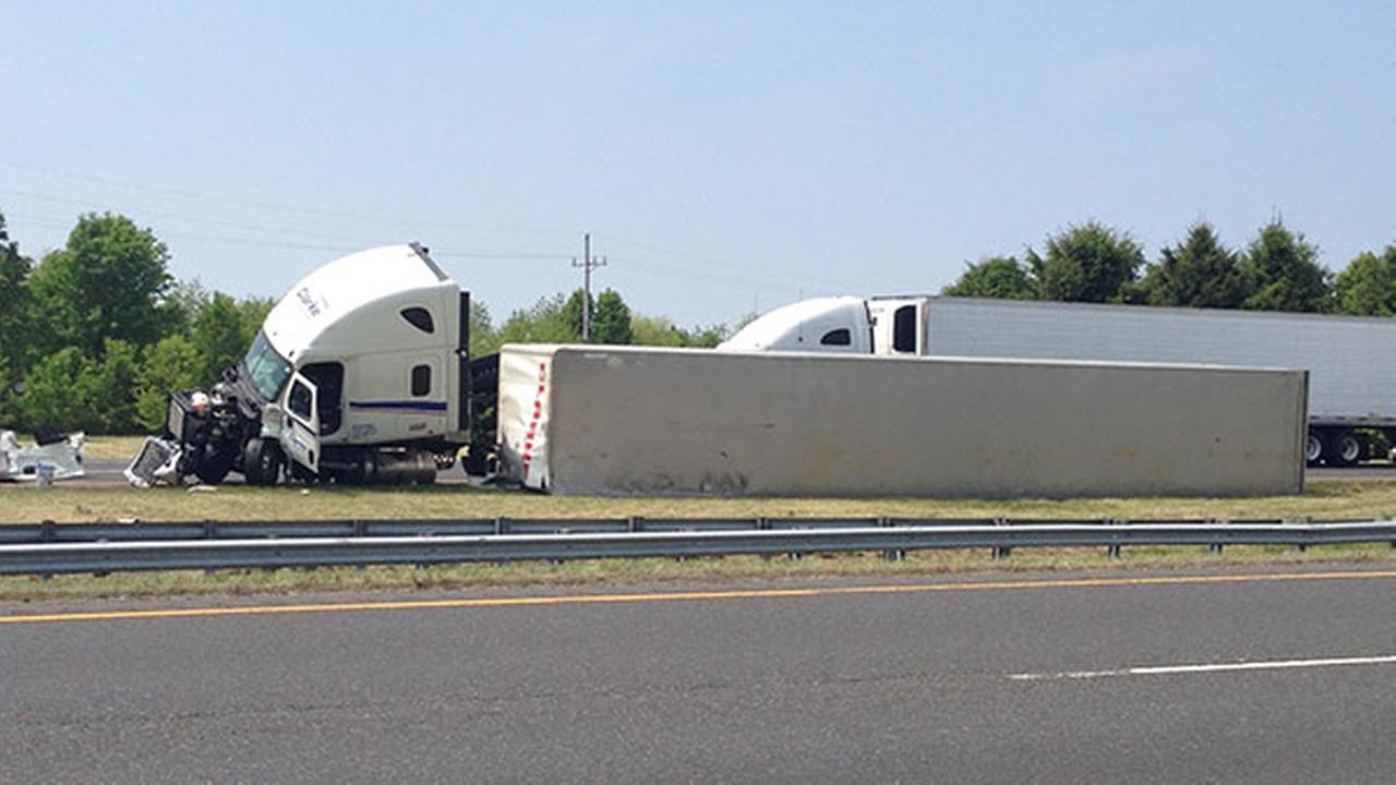 Tractor trailer overturns on SB Rt. 55 in Mullica Hill