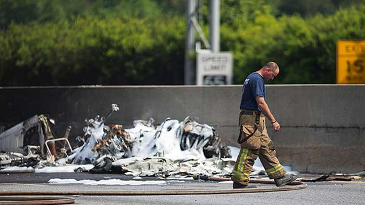 Official: 4 killed in small-plane crash on Atlanta highway
