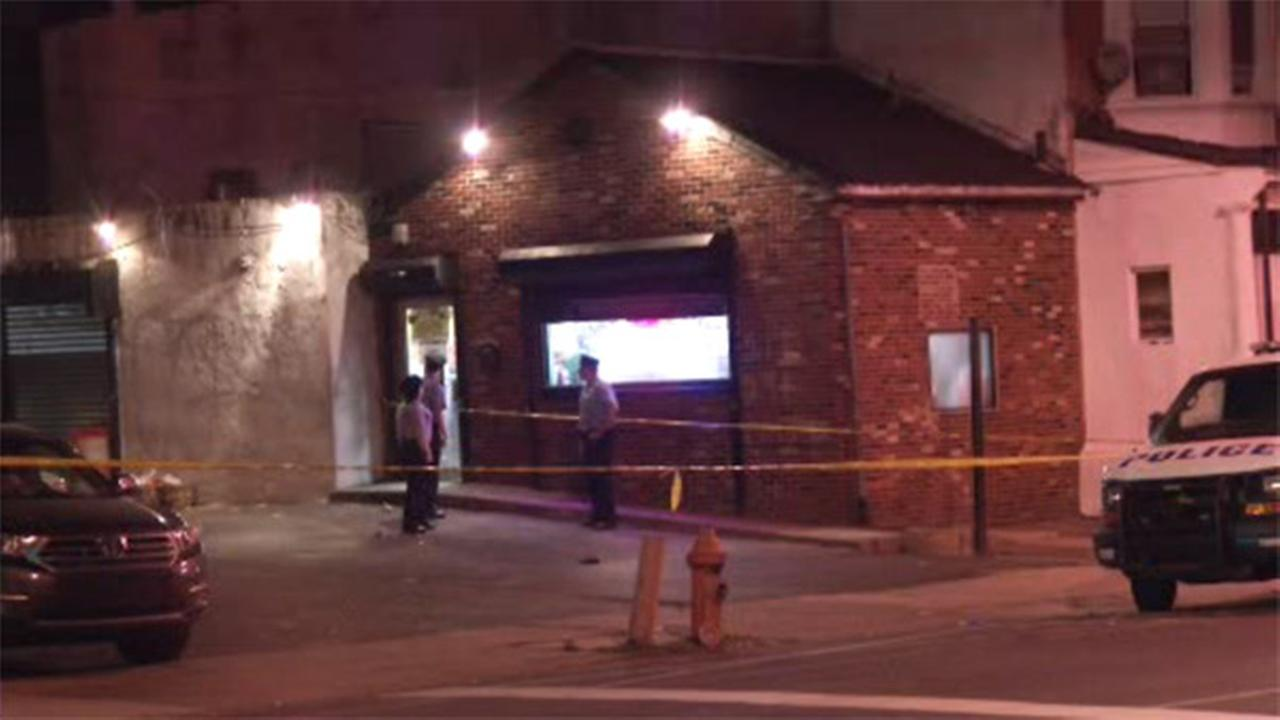 Man critical in Strawberry Mansion shooting