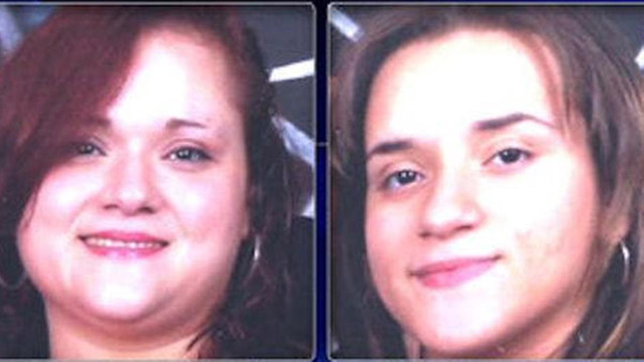 Pictured: Anaida Medina (left) and Stephanie Garcia (right)
