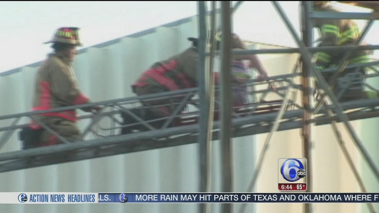 VIDEO: 6 rescued from stuck roller coaster in Ohio