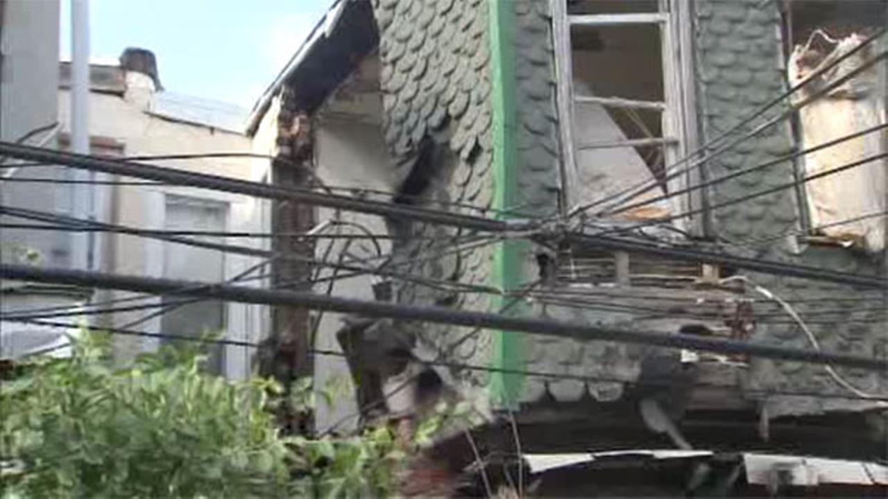Home's wall partially collapses in Southwest Philadelphia