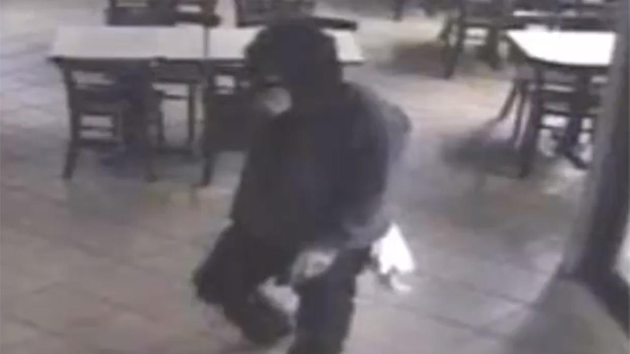 Suspect sought in pizza shop smash-and-grab robbery in Evesham Twp.