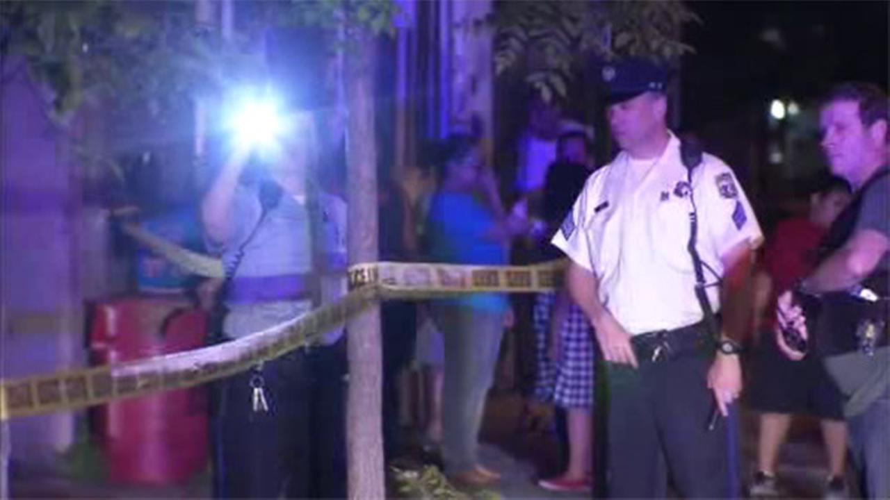 Man hospitalized in Kensington shooting