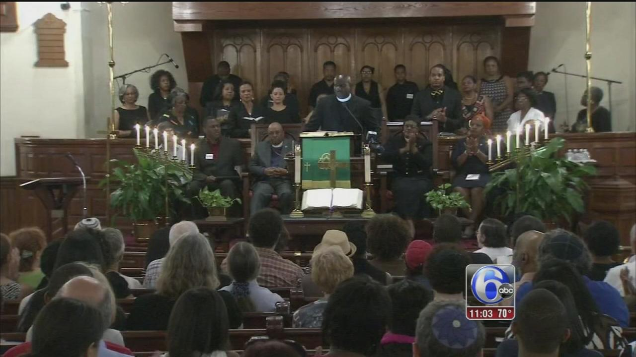 VIDEO: Hundreds gather to remember Charleston victims