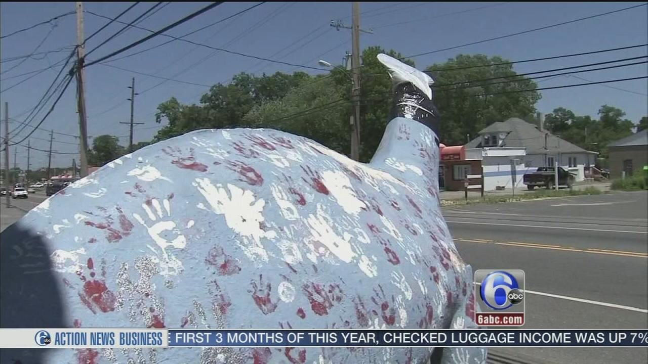 VIDEO: The Bayville dinosaur has lost its head
