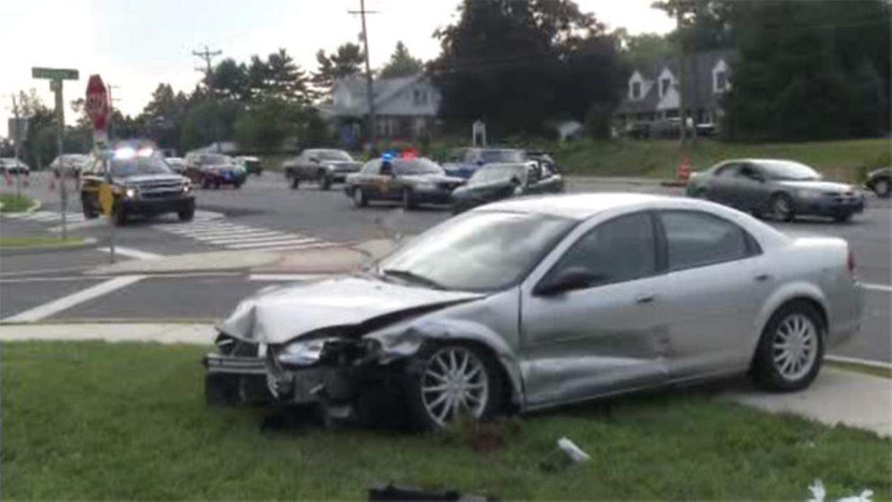 Driver, 3 pedestrians injured in Newark crash