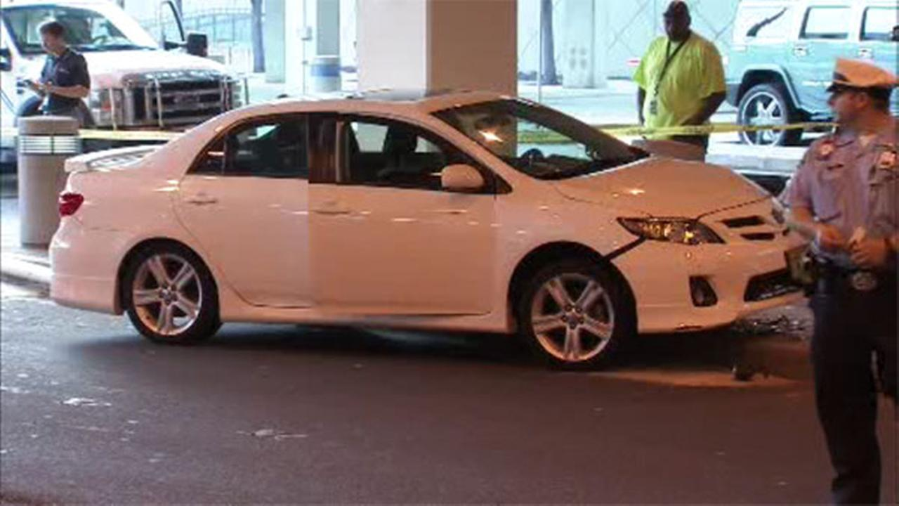 2 women struck by car at Philadelphia International Airport