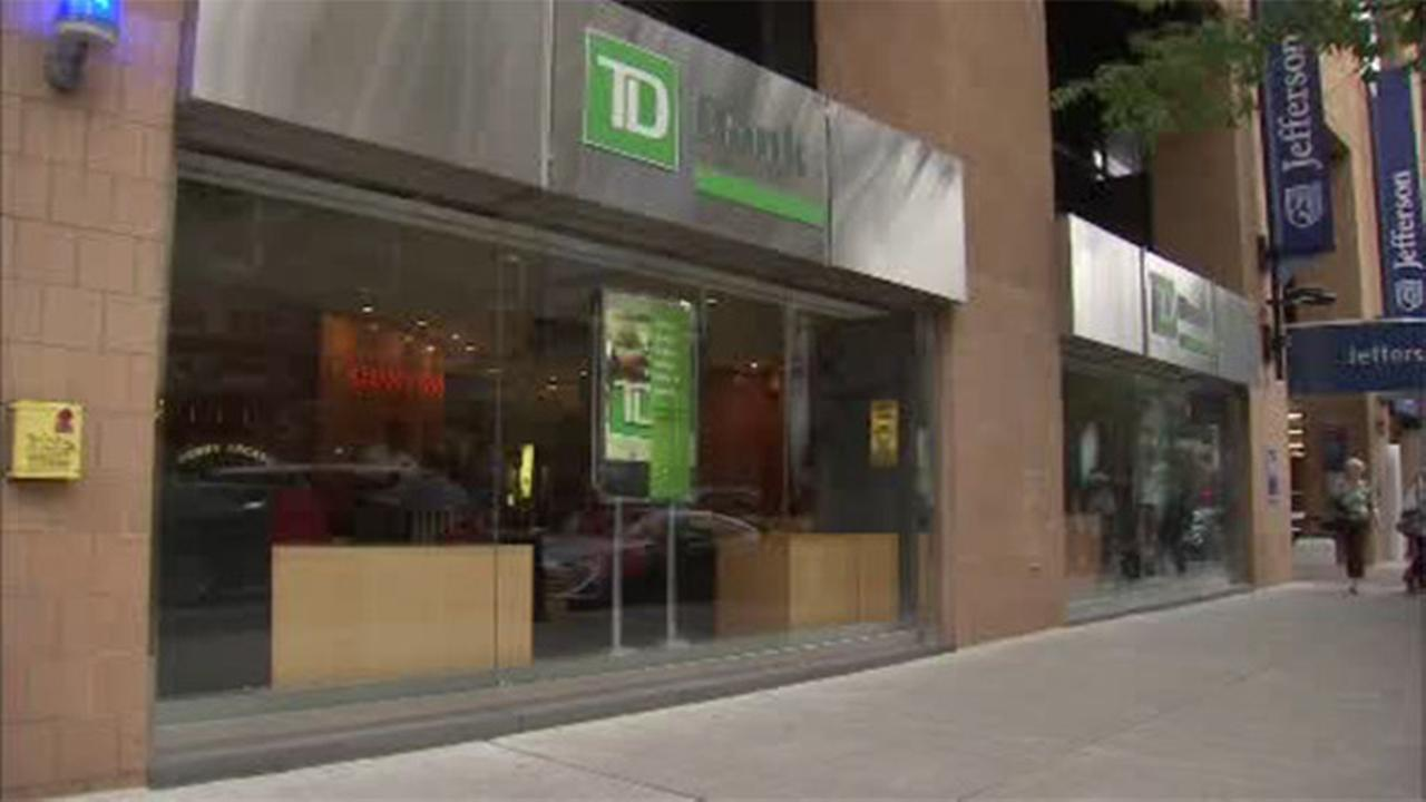 Bandit robs TD Bank branch in Center City