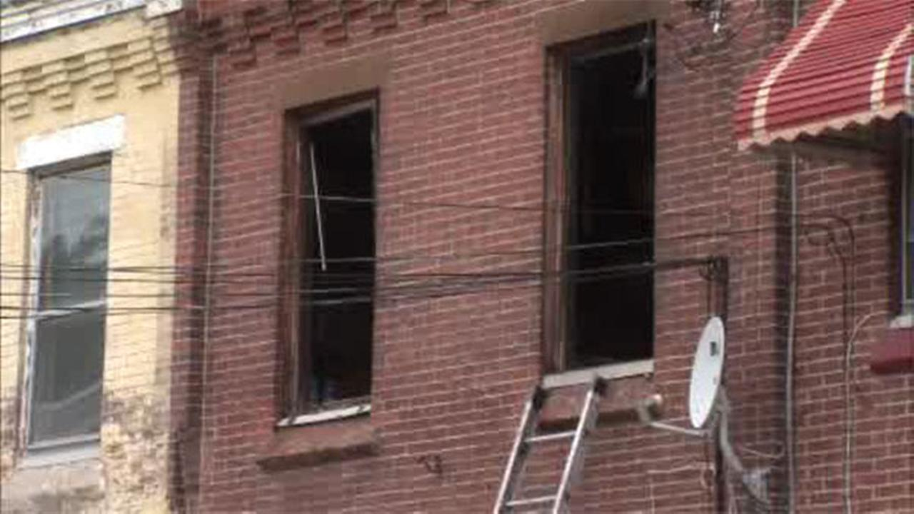 Woman critical in Strawberry Mansion house fire