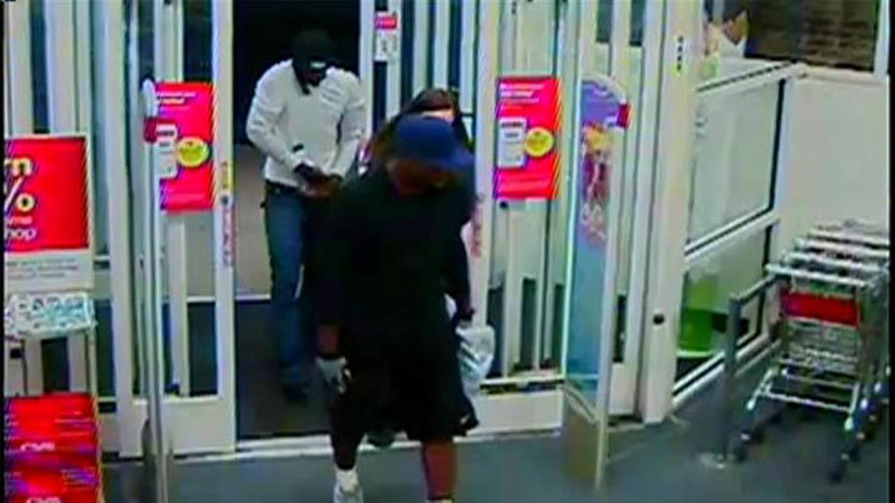 Employees tied up in CVS robbery in Aston