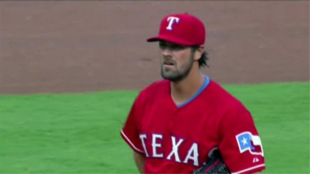 Former Phillie Cole Hamels debuts with Texas Rangers