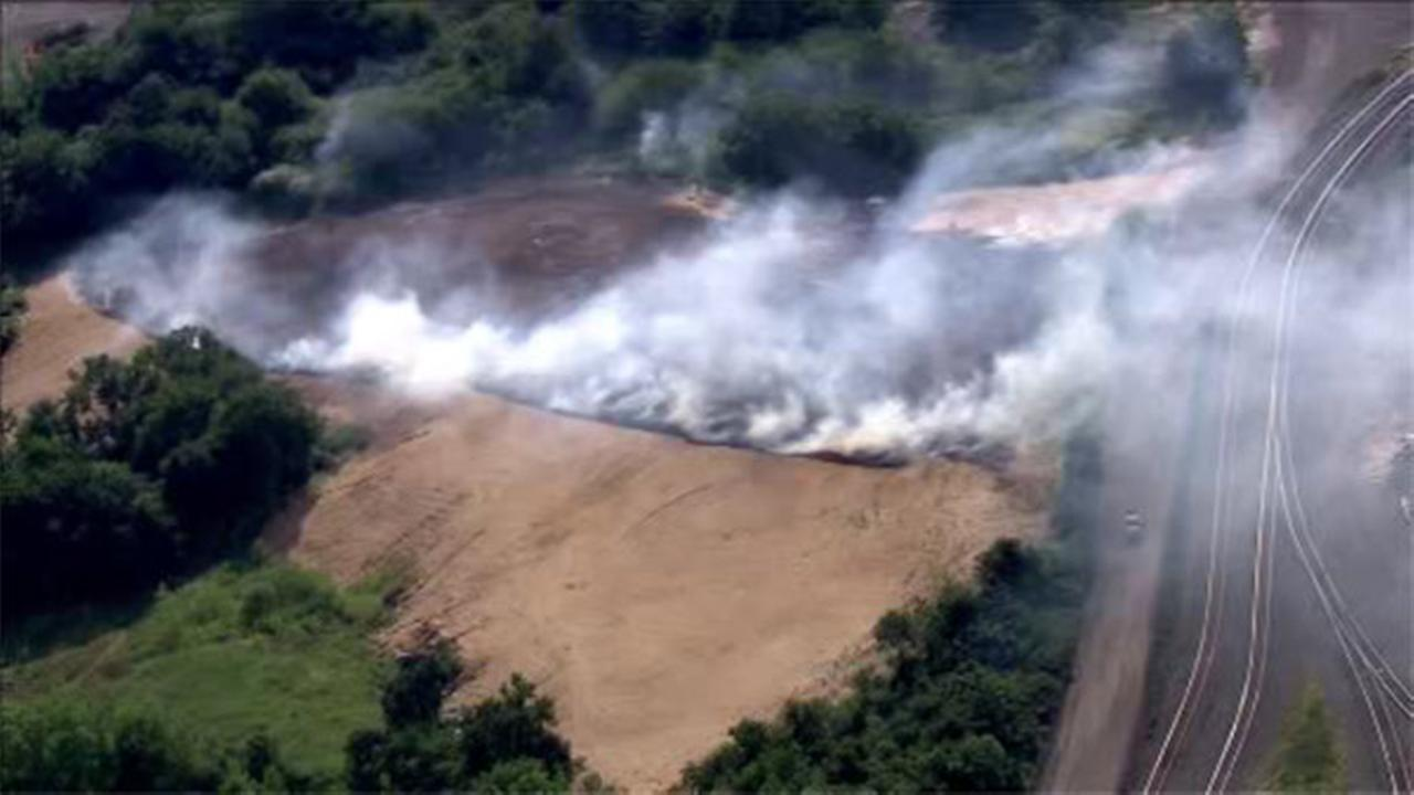 Brush fire burns between Delaware River and I-95