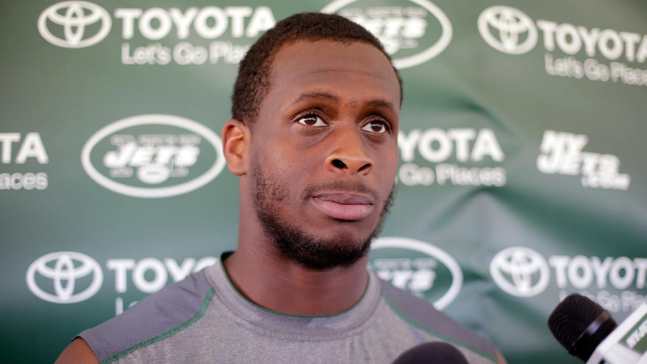 Jets' QB Geno Smith punched in jaw by teammate, out 6-10 weeks