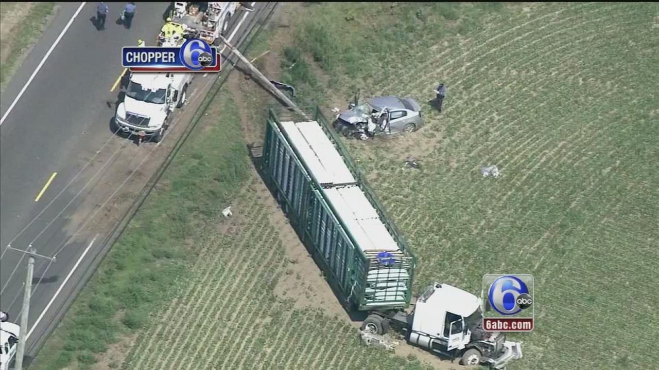 VIDEO: 3 injured in Rt. 322 crash in Gloucester Co.
