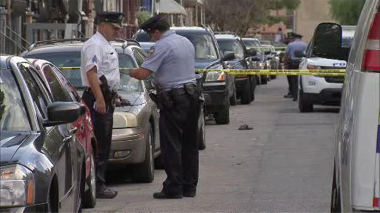 1 dead, 1 critical in West Kensington double shooting