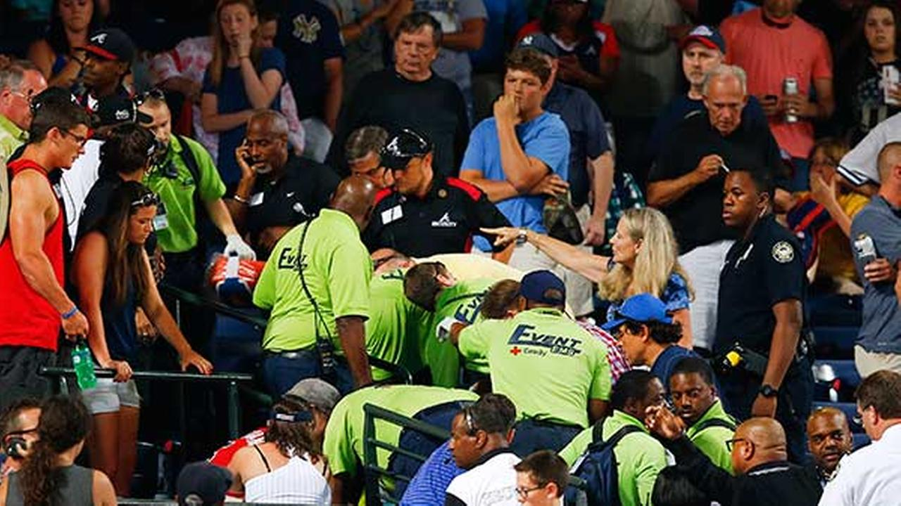 Fan dies after falling from upper deck at Braves game